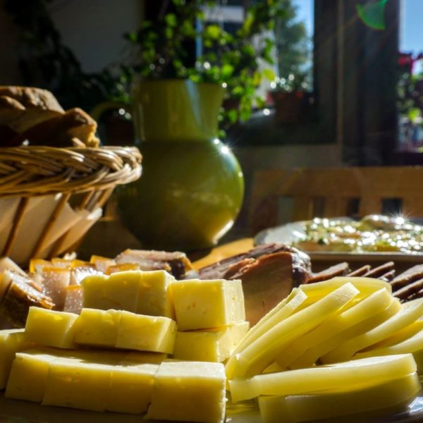 Rețete cochete din Țara Dornelor pentru masa de Paște